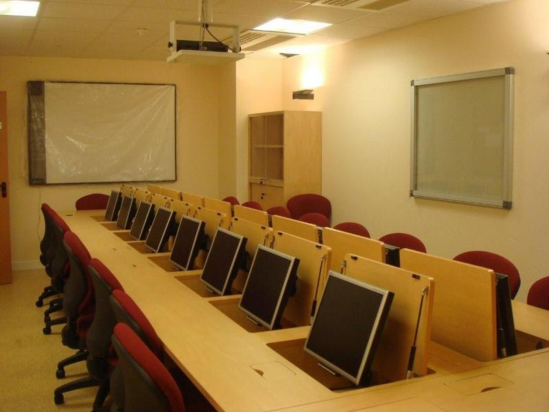 Mobilier pour salles de r union formation fabricant de for Mobilier salle de pause