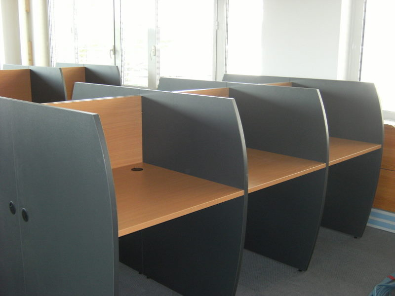 Bureau call center fabricant de mobilier de bureau for Mobilier bureau informatique