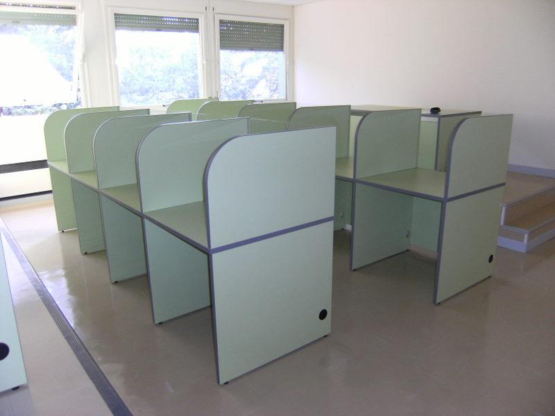 mobilier pour laboratoire de langues fabricant de mobilier de bureau informatique sur mesure. Black Bedroom Furniture Sets. Home Design Ideas
