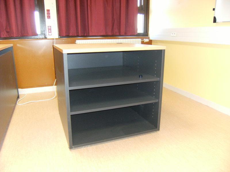 armoires et dessertes sp cifiques fabricant de mobilier de bureau informatique sur mesure. Black Bedroom Furniture Sets. Home Design Ideas