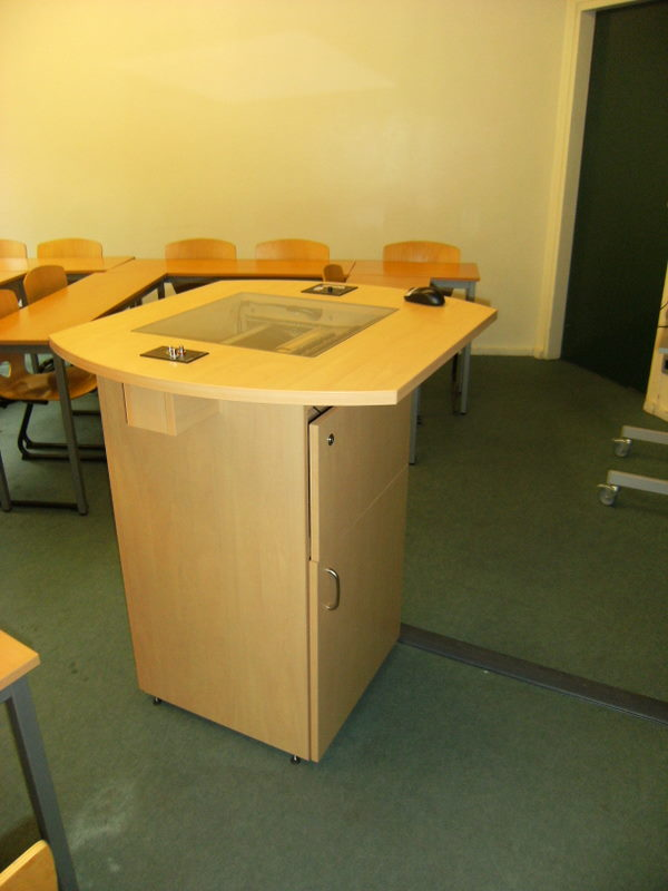 Pupitres informatiques fabricant de mobilier de bureau for Mobilier bureau informatique