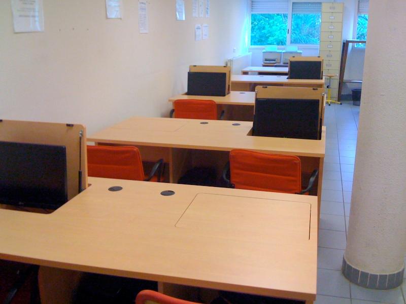 Mobilier de collectivités de bureaux et de médiathèques bureau