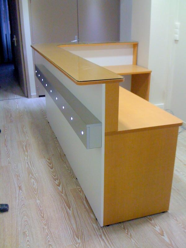 banque d accueil sp cifique fabricant de mobilier de bureau informatique sur mesure. Black Bedroom Furniture Sets. Home Design Ideas